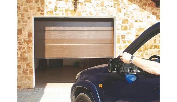 Секционные гаражные ворота Alutech Trend 2250 х 2000 мм