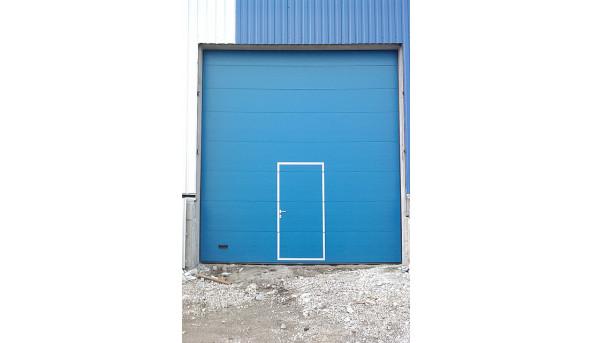 Промышленные гаражные ворота Alutech ProTrend 3500х4100 мм