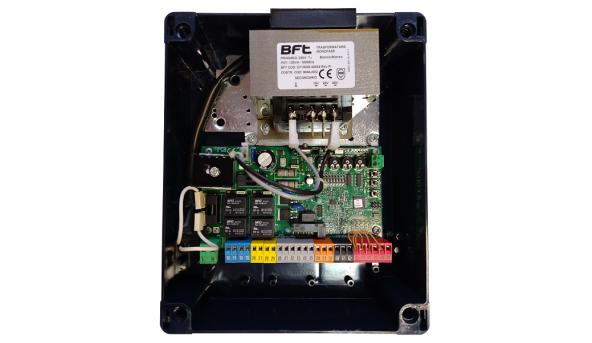 Панель управления ZARA BTL2 24V с DIP-переключателями и 2-х кан приемником (до 63 пультов)