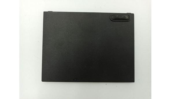 Сервісна кришка для ноутбука Asus X5DIP, K50I, X5DIJ, X5DC, K60I, 13N0-E6A0301, 13GNV41XP10X, б/в, в хорошому стані, без пошкодженнь.