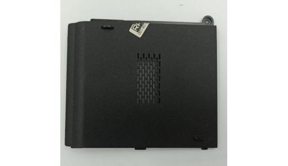 Сервісна кришка для ноутбука Asus X5EA, K51AC, K51, 13N0-ESP0401, 13gnvp1xp03x-1, б/в, в хорошому стані, без пошкодженнь.