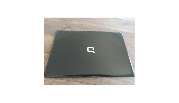 """Кришка матриці для ноутбука HP Compaq Presario CQ71, 17.3"""", 534651-001, 3d0p7lctp10, б/в. Два правих кріплення мають тріщинки"""