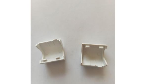 Заглушки завіс для ноутбука Samsung NP-NC20, б/в. В хорошому стані, без пошкоджень.