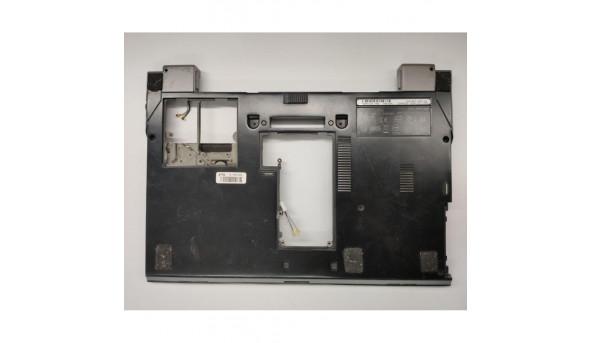 "Нижня частина корпуса для ноутбука Dell Latitude E4300, 13.3"", cn-0r619d, am03s000200, б/в. В хорошому стані, без пошкодженнь."
