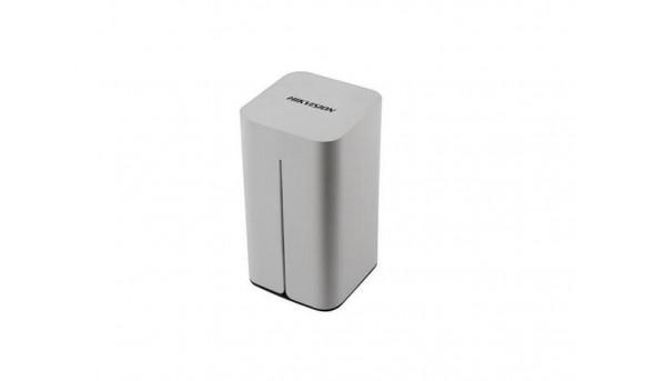 8-канальний мережевий відеореєстратор Hikvision DS-7108NI-E1/V/W