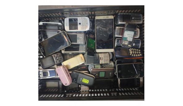 Лот смартфонів та мобільних телефонів різного стану (близько 70 шт) різних брендів